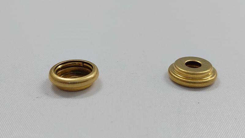 画像1: 【箱入】リングホック#7050 バネ 真鍮製生地 1000組 (1)